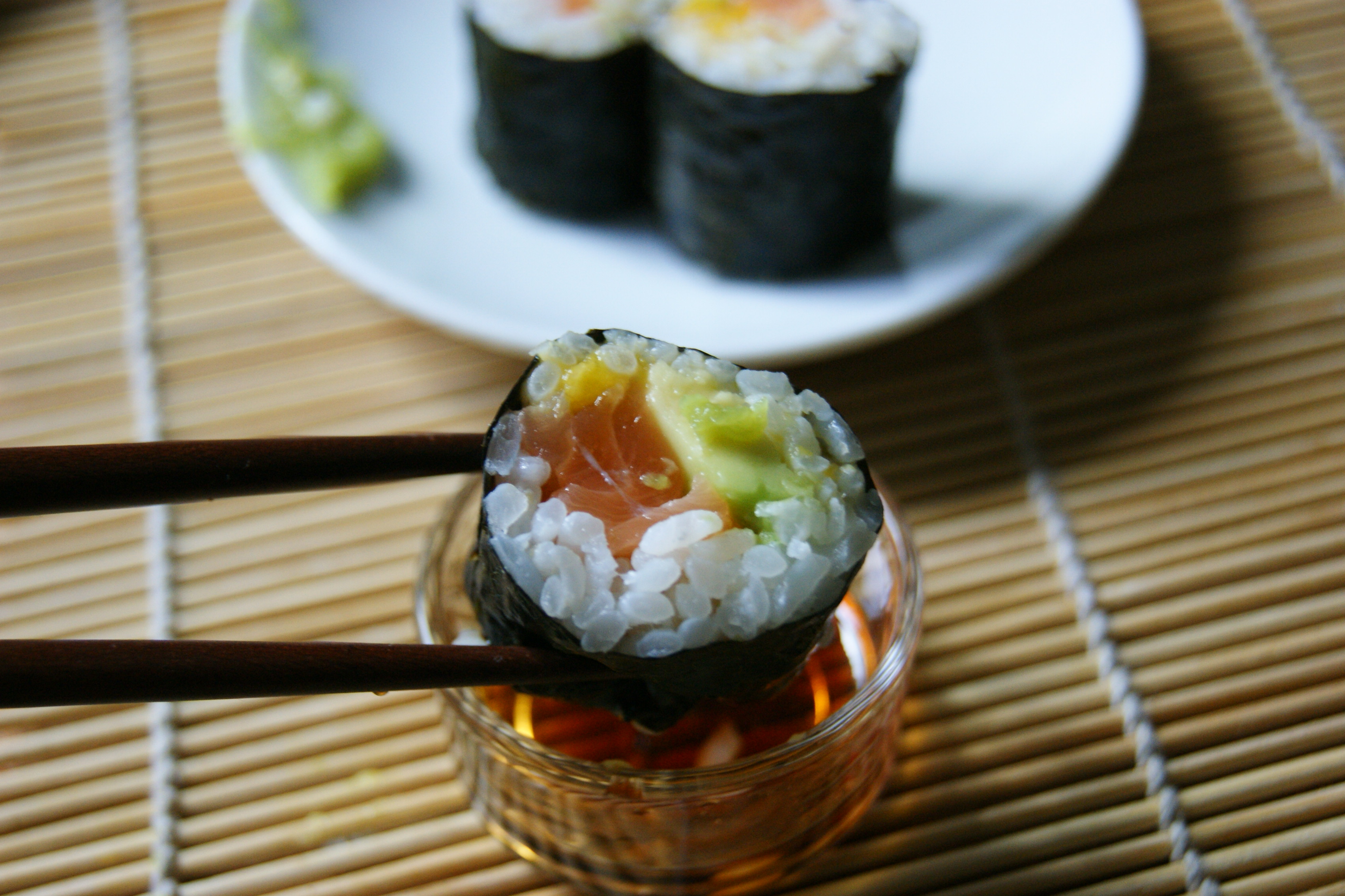 MAKIS AVOCAT MANGUE & SAUMON