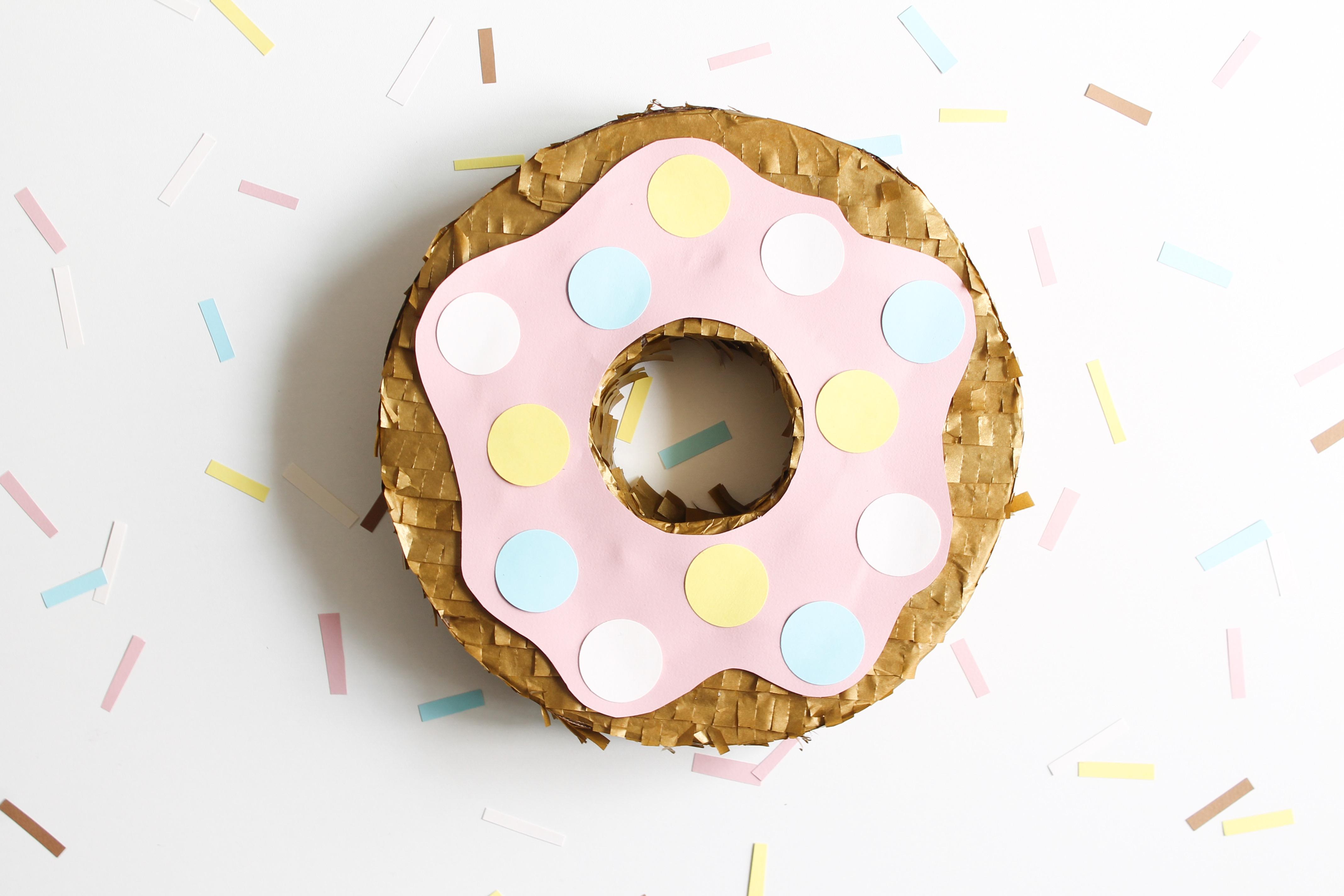 diy pinata donuts