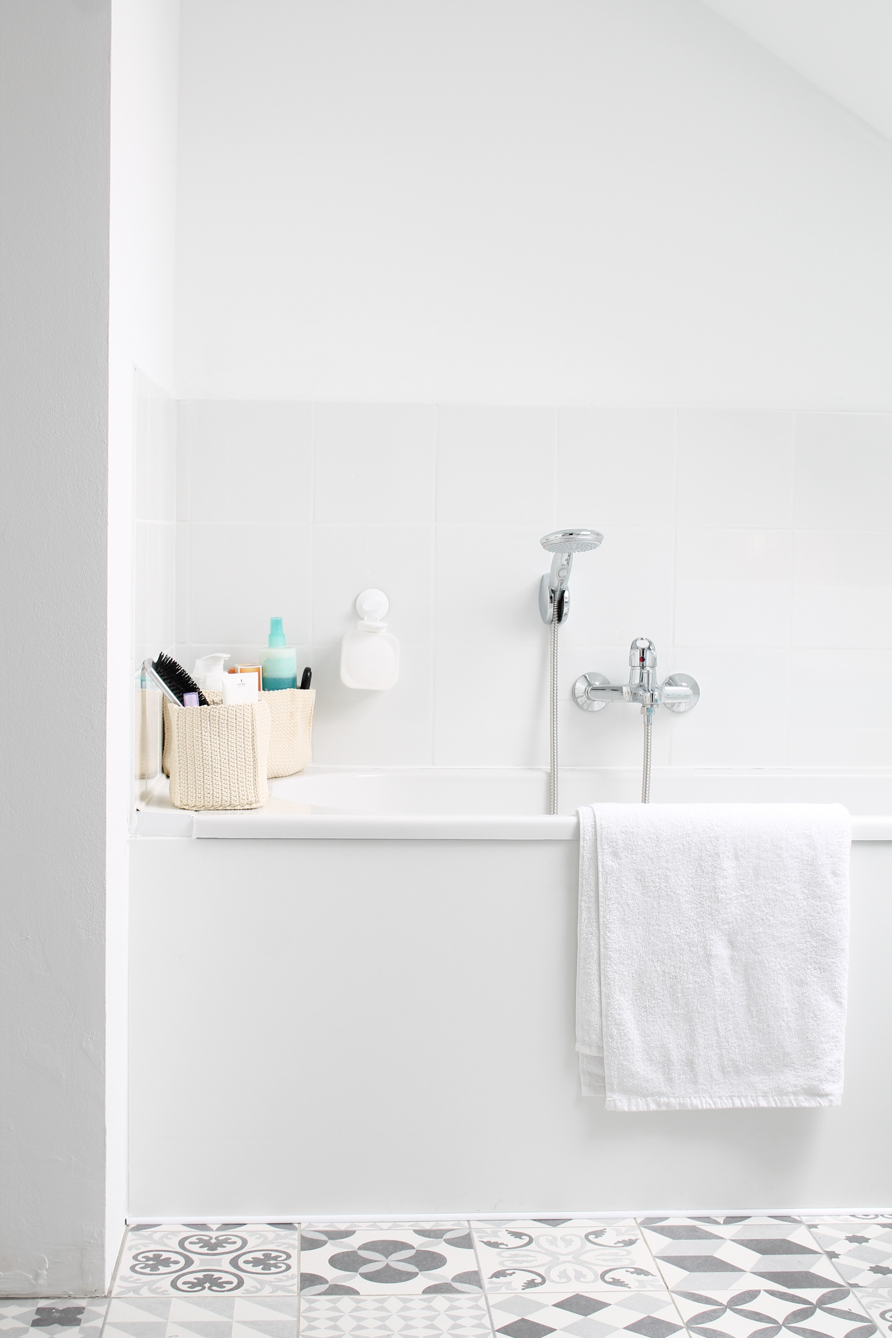 sweet home la salle de bain lyg. Black Bedroom Furniture Sets. Home Design Ideas